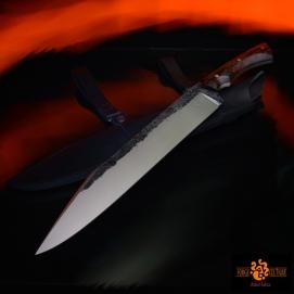 Scramasaxe moderne Acier 02 trempe sélective 58hrc finition brut de forge / tiré en long 305mm de tranchant pour un total de 480mm plaquettes en ébène royal --450eur--(vendu)