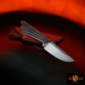 Couteau brut de forge Acier XC75 trempe sélective 58 hrc 85mm de tranchant pour un total de 185mm finition tiré en long étui en cuir naturel teinté --95eur--